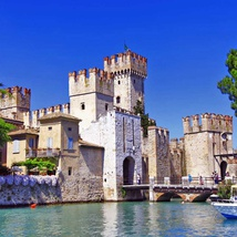 Sirmione boat excursion and visit town